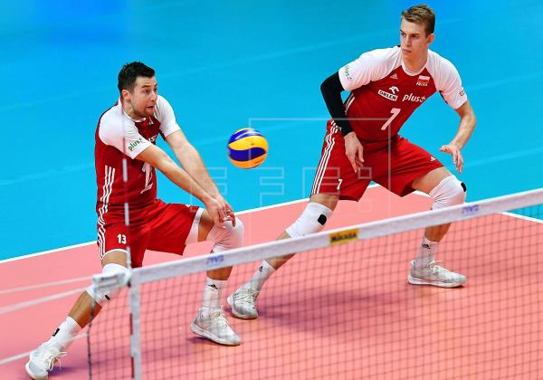 poland volleyball takes on serbia
