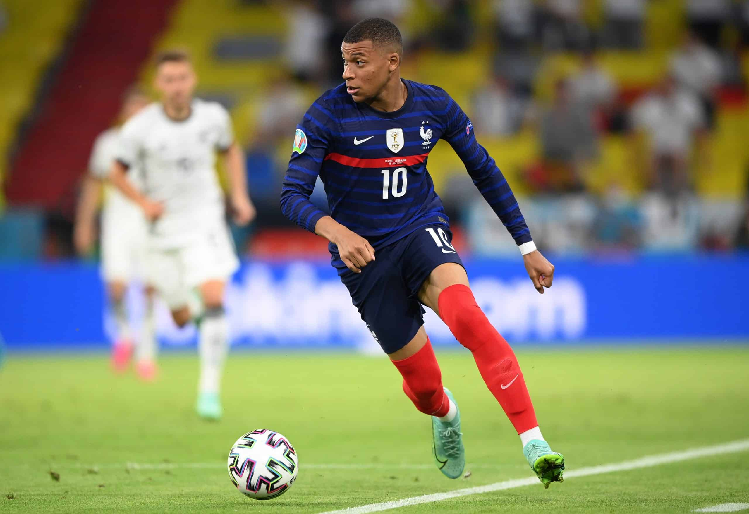 France vs Switzerland football player